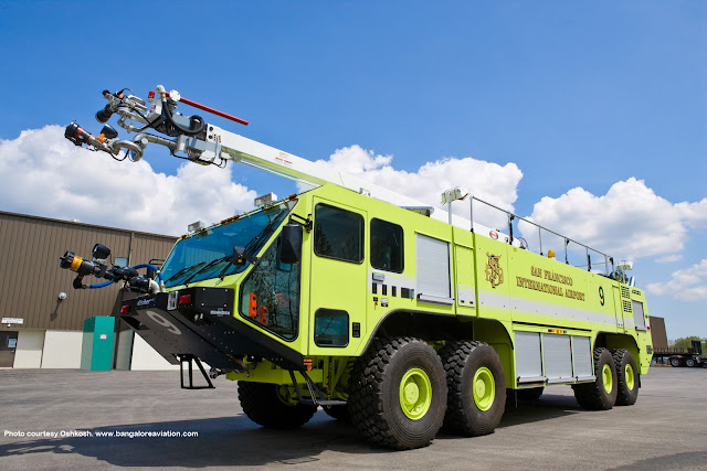 Oshkosh Striker 4500 of San Francisco International Airport ARFF.