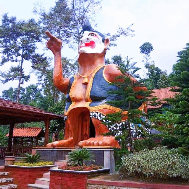 Wisata Dalem Si Mbah Wonosalam Jombang