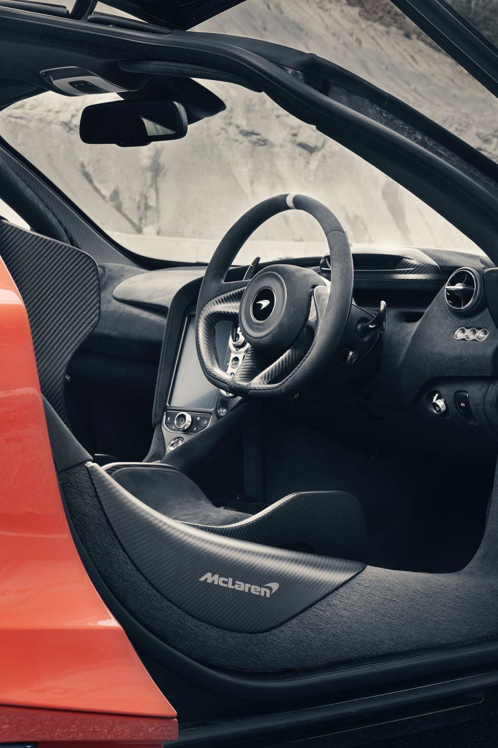 Siêu xe McLaren 765LT đặt chân tới Mỹ