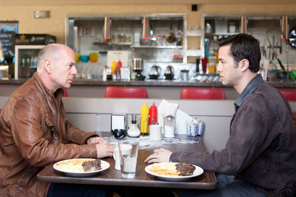 Looper- Superb Storytelling That Winks at You and Then Goes for The Throat