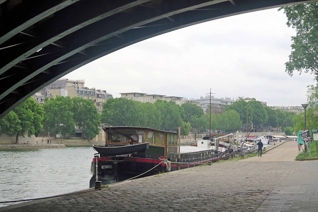 Another walk along the Seine…