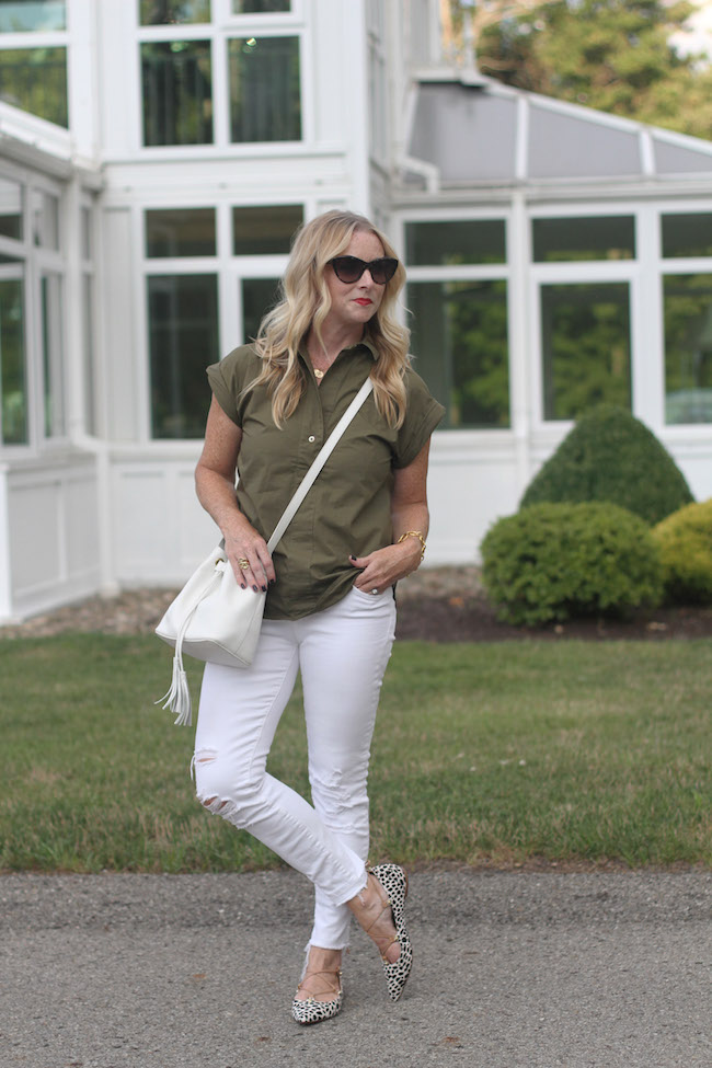 jcrew olive top, white distressed skinny jeans, bucket bag, halogen lace up flats