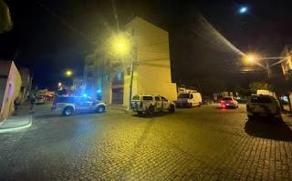 Homens encapuzados alvejam residência de vereador eleito em Brumado