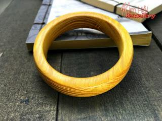 Vòng đeo tay gỗ đàn hương vàng New Mexico