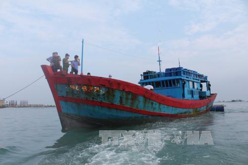 Bình Định: Tàu cá bị đâm chìm, 2 ngư dân thương vong