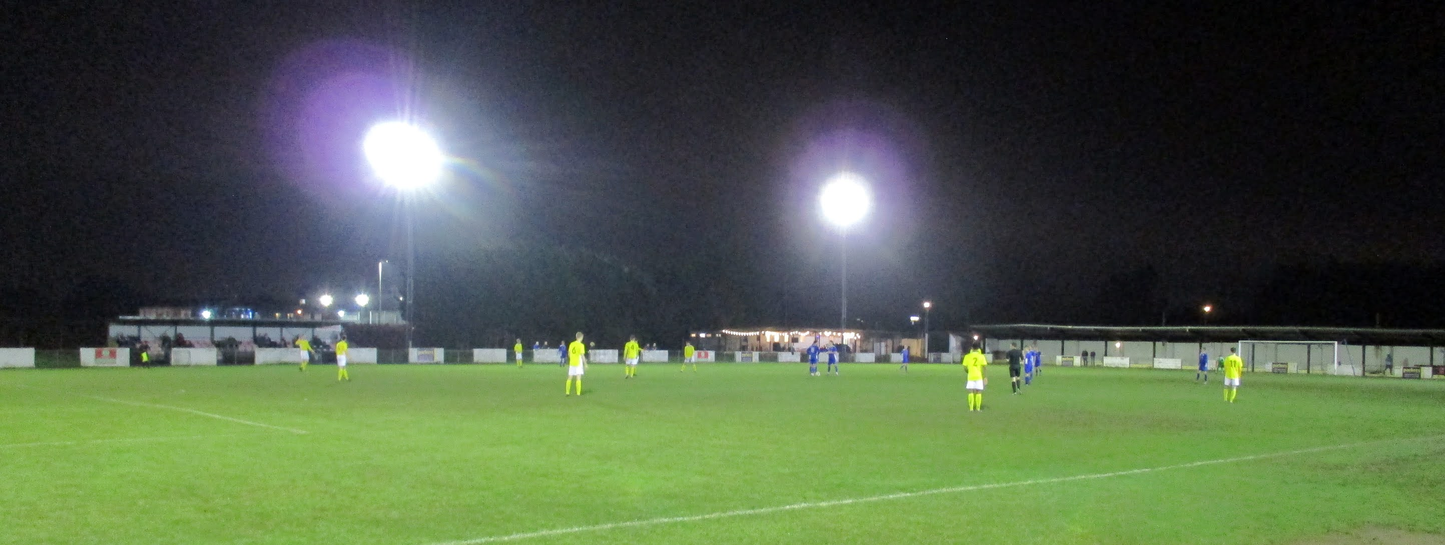 Reading City vs. Brackley Town Saints about to kick off at The Rivermoor Stadium