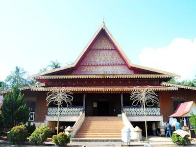Sketsa Rumah Adat Riau