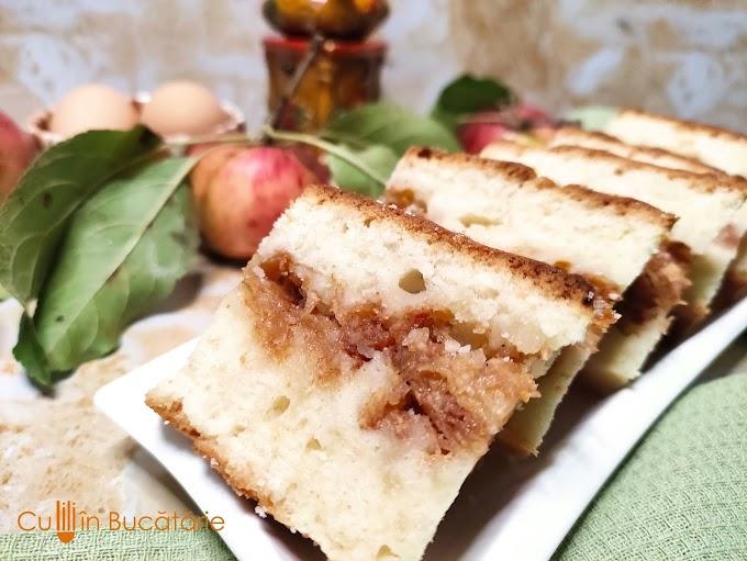 Prăjitură turnată cu măr (amintiri din copilărie)
