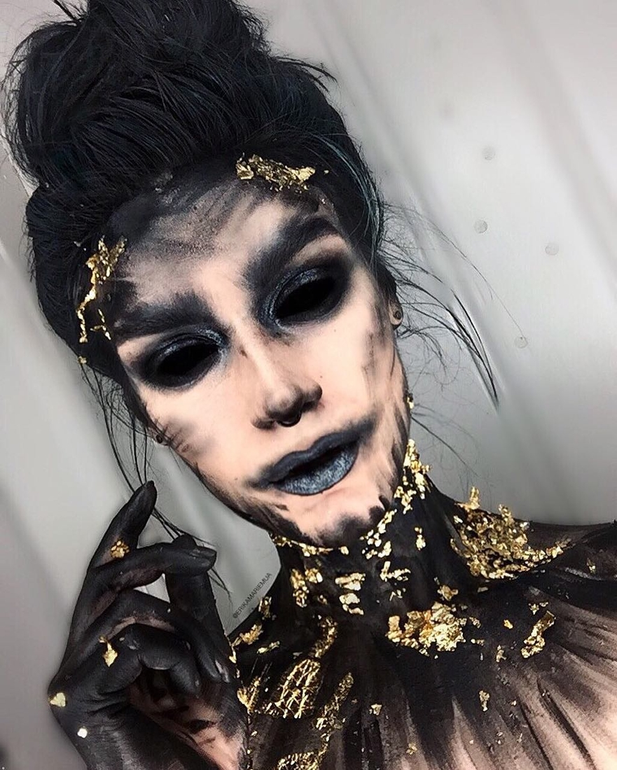 13-Black-and-Gold-Erika-Marie-Mua-Makeup-Inspirations-for-Halloween-www-designstack-co