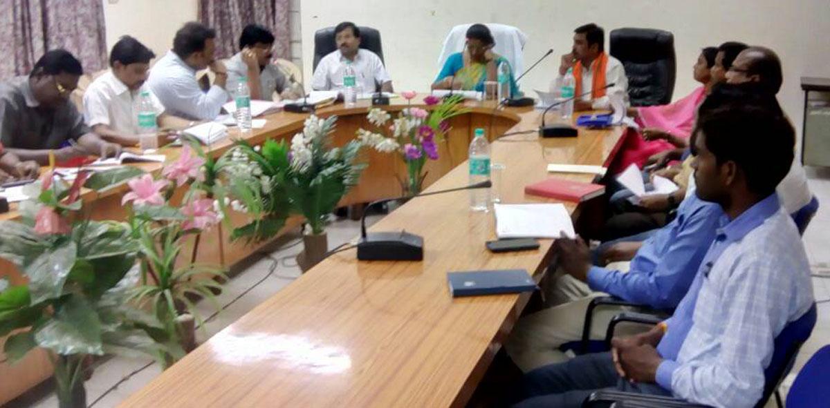 Meeting-of-the-Power-Consultative-Committee-concluded-under-the-chairmanship-of-Nirmala-Bhuria-विद्युत सलाहकार समिति की बैठक निर्मला भूरिया की अध्यक्षता में हुई संपन्न