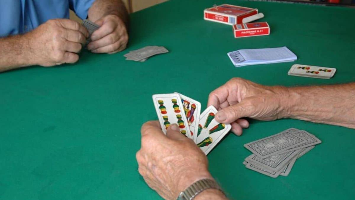 Giochi di carte natalizi a Catania