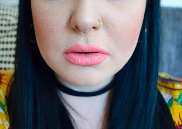 Jeffree Star 714 Lipstick swatches