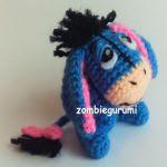 http://zombiegurumi.blogspot.com.es/2015/10/patron-gratis-igor-amigurumi.html