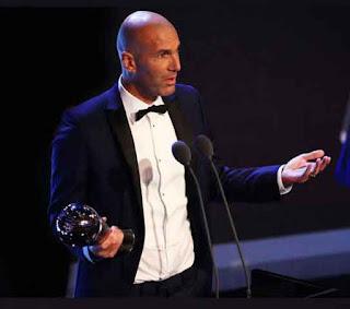Zinedine Zidane Pelatih Terbaik FIFA 2017