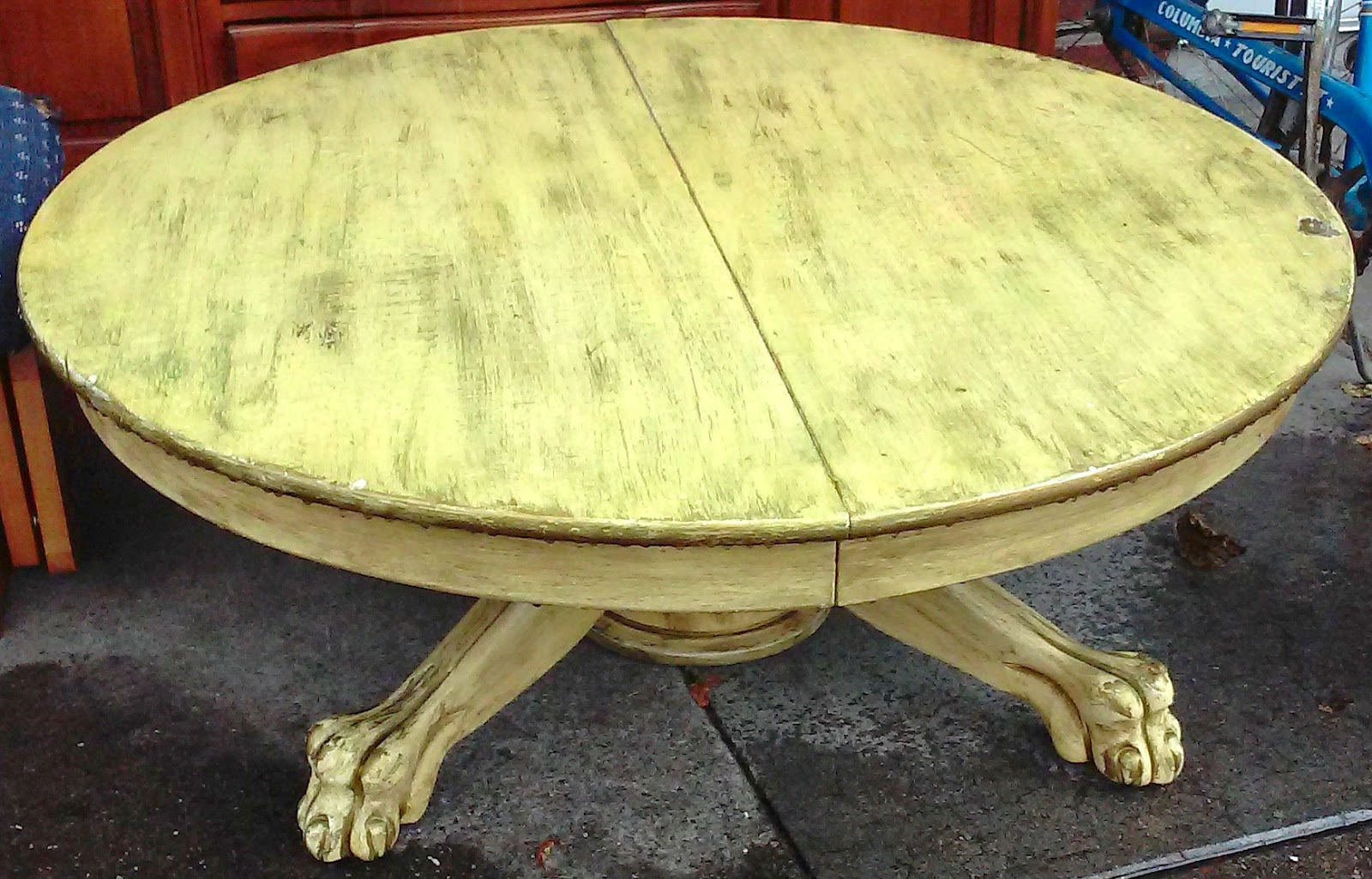 UHURU FURNITURE COLLECTIBLES SOLD 42 Claw Foot Coffee Table 15