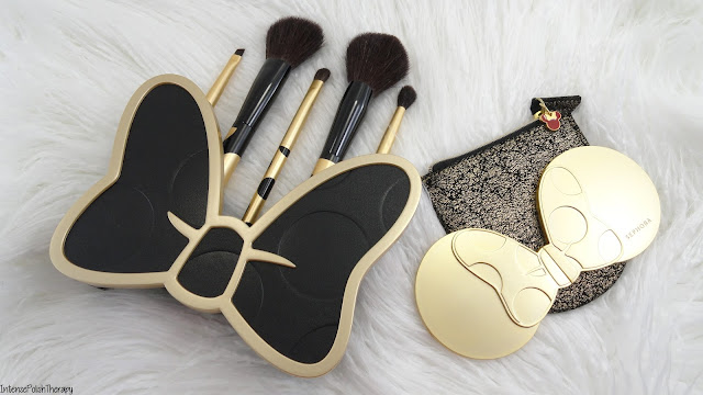 Brush up on Glamour- Minnie's Beauty Tools & Reflection of Minnie Compact Mirror