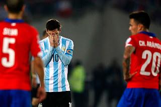 Everton defender wants Lionel Messi to change mind about international retirement