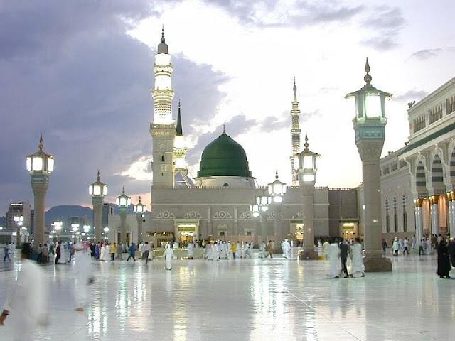 http://1.bp.blogspot.com/-LPliCazcR0U/UORNCuGFZYI/AAAAAAAAARM/Ym0Gpm7Yg5U/s1600/Masjid+Nabawi+Madina+(4).jpg