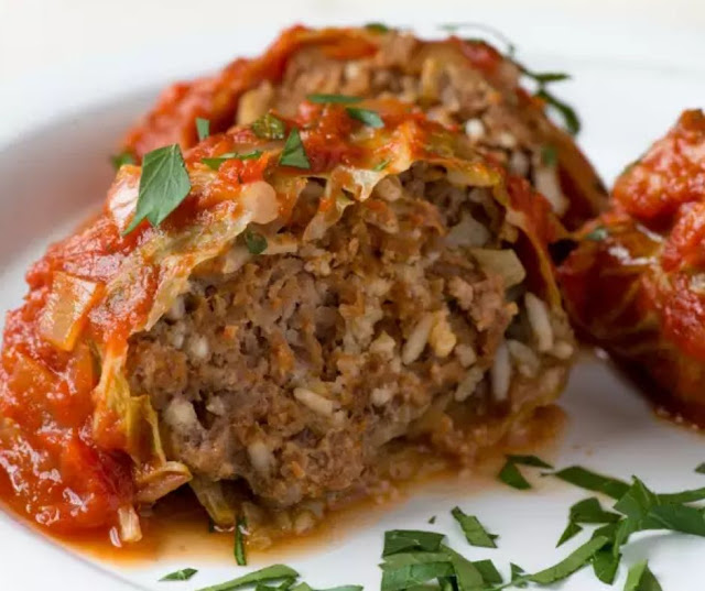 WEEKNIGHT CABBAGE ROLLS