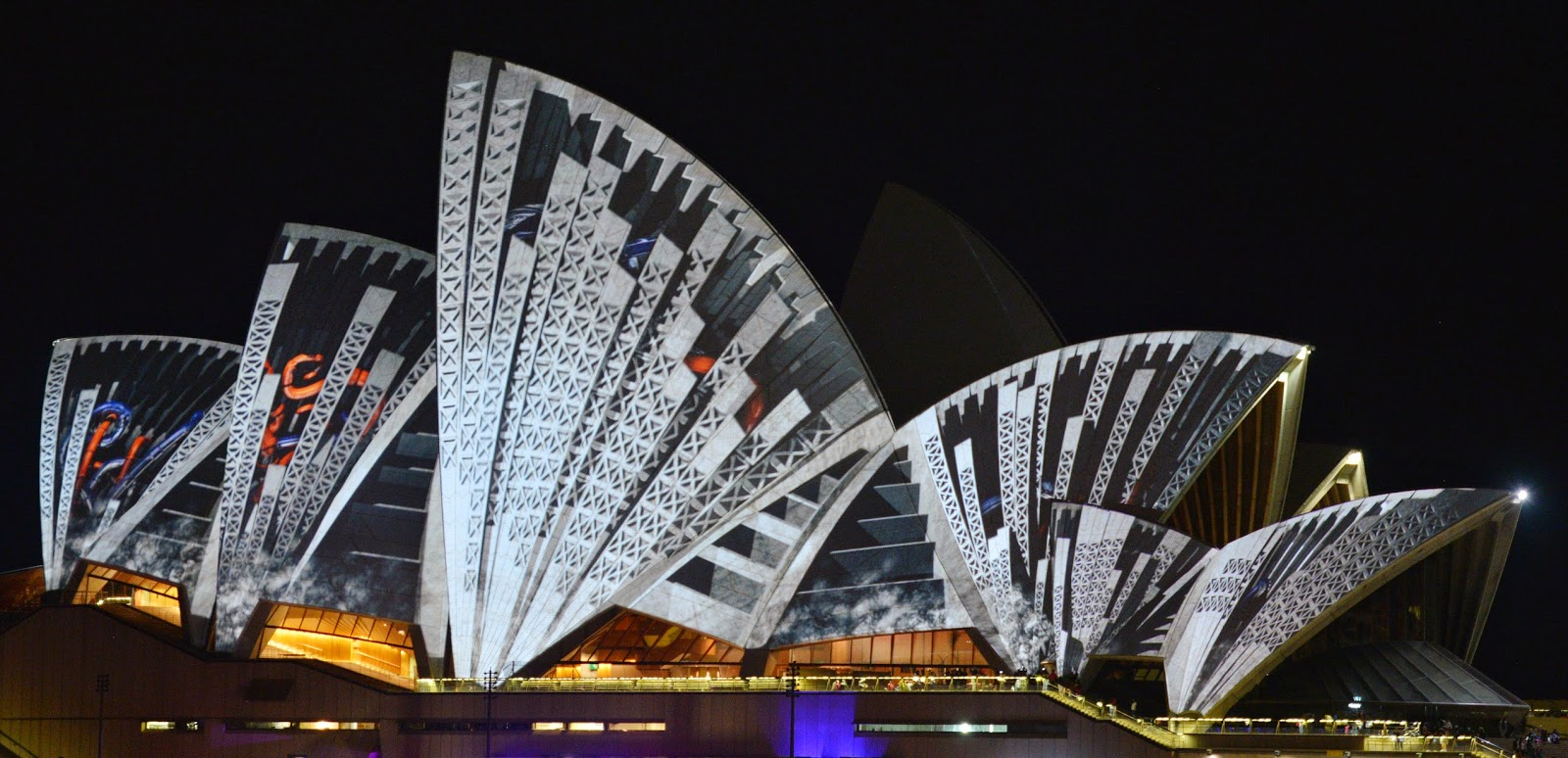 Sydney Vivid Light Festival: HD Pictures