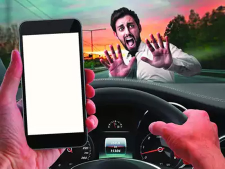 Driving License to be Cancelled for at Least Three Months for Using Mobile while Driving in Kochi, News, Local-News, Mobile Phone, Driving Licence, Suspension, Humor, Passengers, Kerala, Kochi