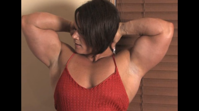 Clip female bodybuilding to her unbelievably muscular physique showing strength