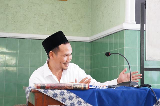 Gus Baha: Dakwah itu Ngajar Ngaji di Kampung-Kampung