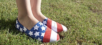 Transform your old sneaker into a patriotic kicks