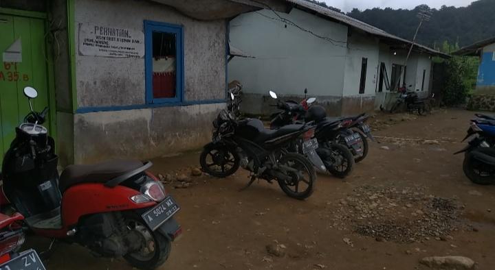 Base camp pendakian gunung kencana