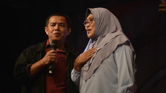 Sekwan Duet Bareng Istri di Panggung Utama Sinjai Fest and Expo, Romantis Banget!