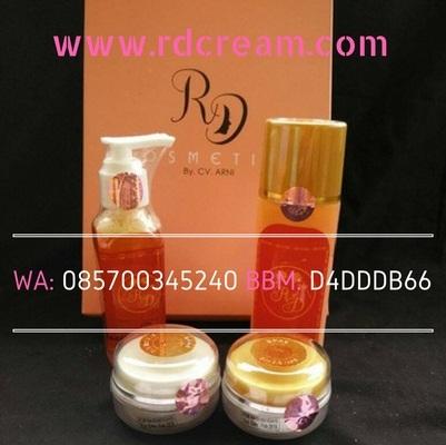 Bonus Cara Memutihkan Wajah ala creamrd.co 13. Paket Cream RD Original Toner Cleanser