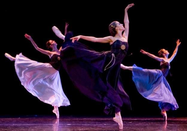 afd83ed72fed Clásicas: la danza clásica, es un tipo de danza que cuenta con distintas  técnicas y movimientos específicos.