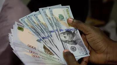 Centran Bank of Nigeria (CBN) depreciates Naira, fixes dollar deal at N392