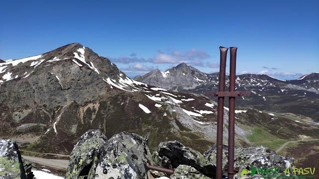 Buzón en cima secundaria en al Sierra de Sentiles