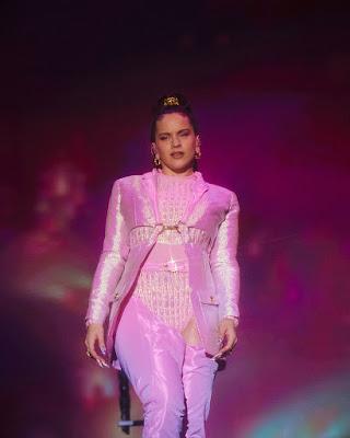 Rosalía vestida por Dominnico