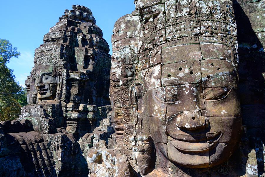 Angkor Thom, Bajon, Uśmiech Angkoru