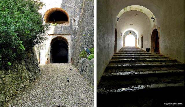 Túnel de acesso ao Castelo de São Filipe, em Setúbal, Portugal
