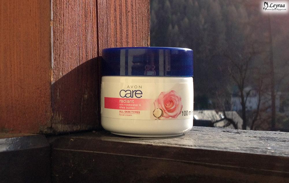 Avon Care Rozświetlający Krem Do Twarzy Z Wodą Różaną I Masłem Shea