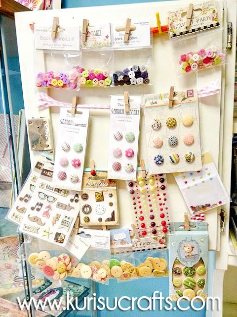 Botones y brads en Kurisu Crafts