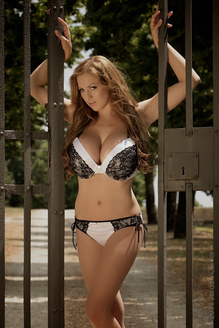 sexiest-Jordan-Carver-Fairy-Tale-hot-photo-shoot-picture-4