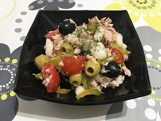 Salad with white beans and tuna
