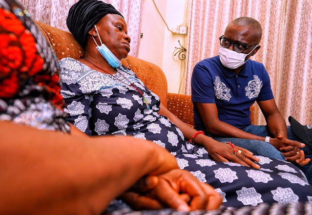 Gov. Sanwo-Olu Visits Family Of Man Killed During Surulere #EndSARS Protest