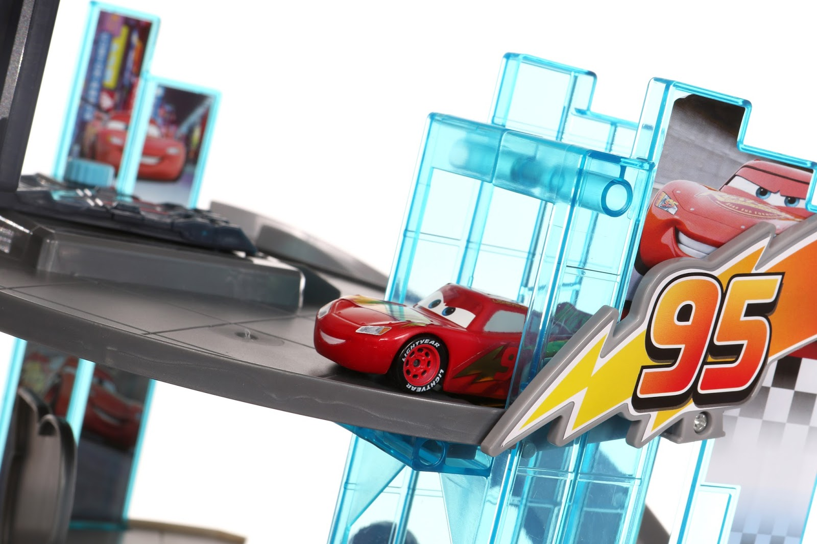 Cars 3 Rust-Eze Racing Center Playset Target Exclusive review