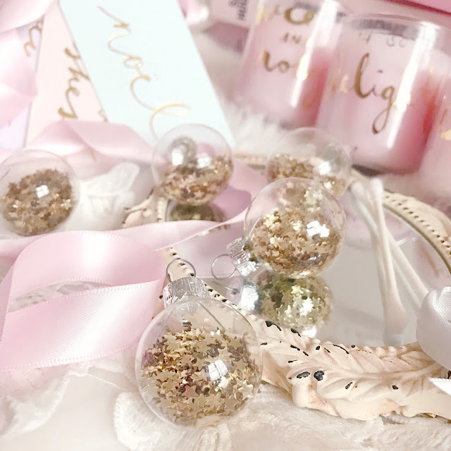 Paperchase   Mini Gold Star Sequin Baubles