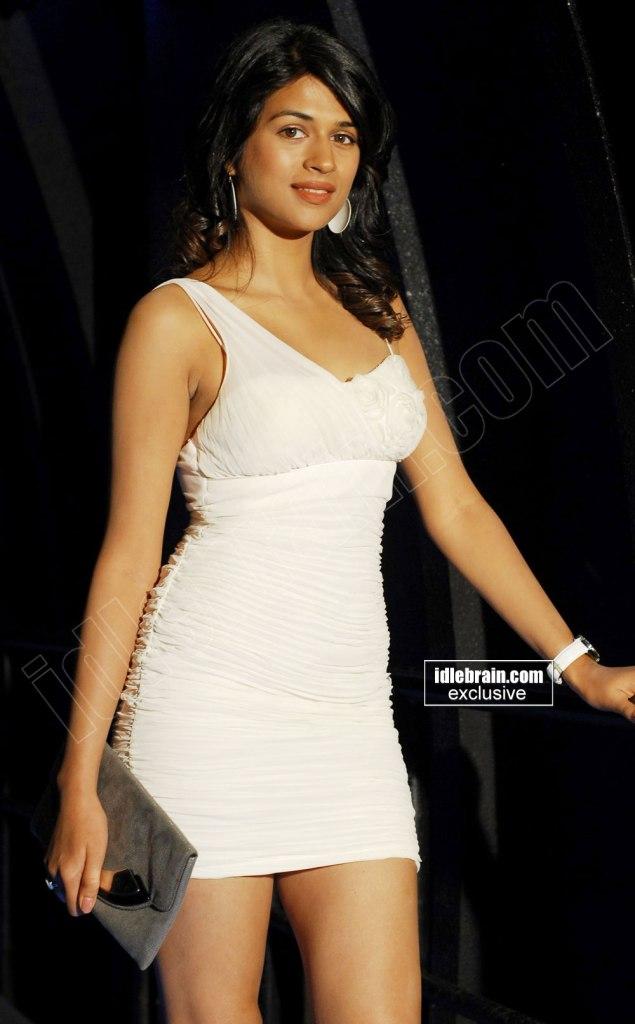 The pretty girl Shraddha Das