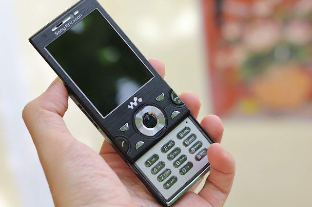 Điện thoại Sony Ericsson cổ W995i