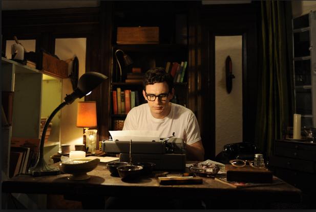 هل الكتابة الروائية مهنة مربحة ؟ إليك الإجابة