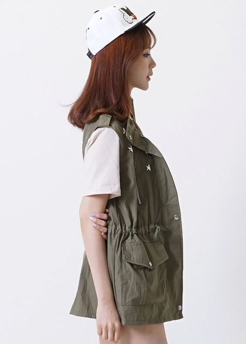 Multiple Pockets Zip-Up Vest