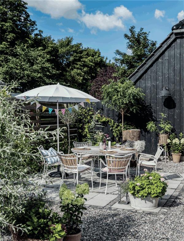 casa escandinava con jardin de verano chicanddeco