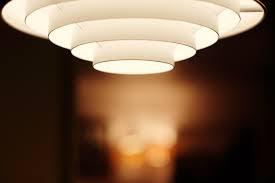Cara Mengganti Lampu Downlight Sendiri di Rumah
